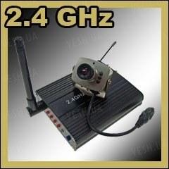 Комплект из беспроводной аналоговой МИНИ радио видеокамеры на 2.4 Ghz + приёмник видеосигнала (на выбор), дальностью до 250 метров (модель CRP-208N)