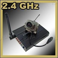 Набор беспроводная Wi-Fi цифровая МИНИ радио видеокамера 2.4 Ghz + приёмник видеосигнала с AV выходом до 100 метров (модель CRP-208N)