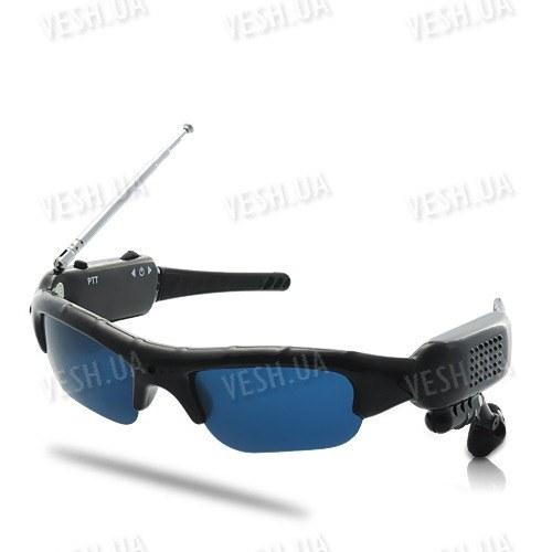 2 х солнцезащитные очки со встроенной рацией с радиусом действия до 500 метров и возможностью одновременной работы до 8 человек