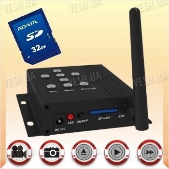 Портативный беспроводный 2.4 Ghz мини видеорегистратор DVR c записью на SD карту памяти до 32 Gb c разрешением 800х600 пикселей (модель DF-DVR-1)