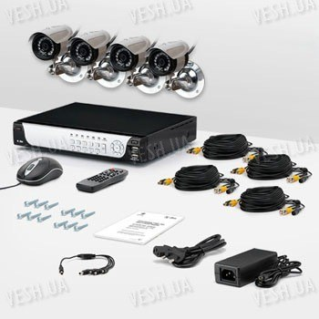 4-х камерный комплект проводного охранного видеонаблюдения CCTV CAM DCK-1002 PRO