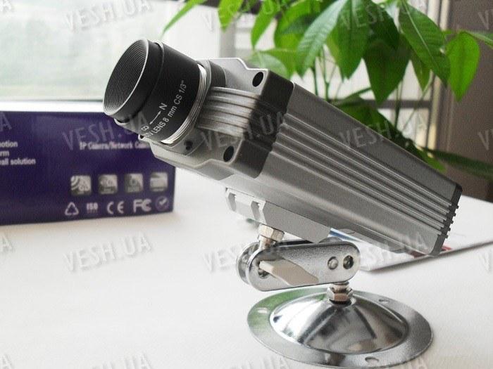 Беспроводная Wi-Fi внутрення цветная IP видео камера с ИК подсветкой (модель FOSCAM FI8902W)