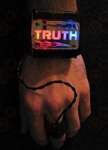 Портативный детектор лжи в форме браслета